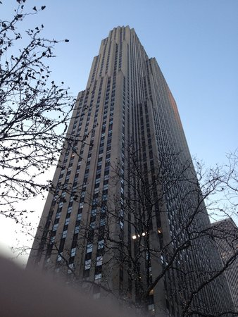 General Electric Building: Art Deco Majesty