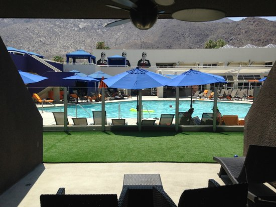Hard Rock Hotel Palm Springs: Poolside Room