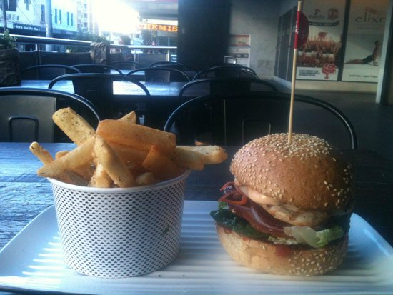 Grill'd Bondi Junction: SWEET CHILLI CHICKEN and THE FAMOUS GRILL'D CHIPS