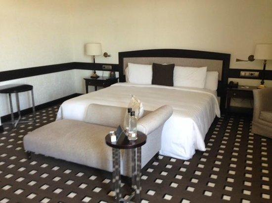 Eurostars Palacio Buenavista: Best bed of our entire trip!