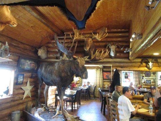 Tatogga Lake Resort : Dining room