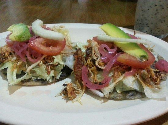 Cafe Restaurante Los Arcos: Deliciosos PANUCHOS!!!