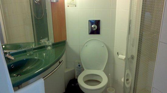 Ibis Praha Old Town: Bathroom