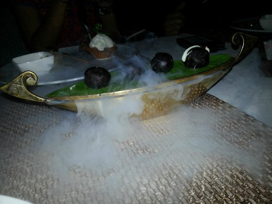Vivanta by Taj - Malabar: Desset st the Rice Boat