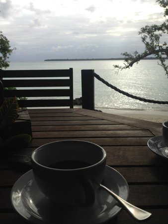 Lope Lope Lodge : Fresh brewed coffee on the deck in front of our room