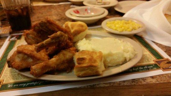 Mrs. Knott's Chicken Dinner Restaurant : Chicken dinner and sides