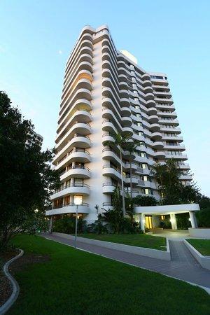 Regent Apartments: Exterior