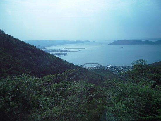 Yashimaji Temple: 入口からは小豆島が見えるそうです
