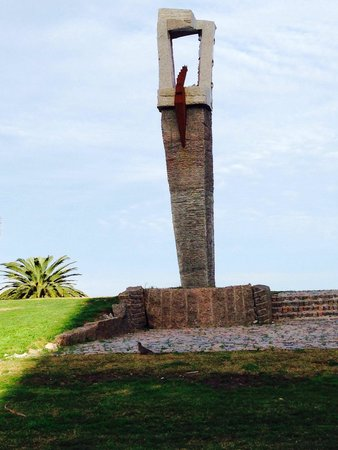 Rambla de Montevideo: Escultura na Rambla