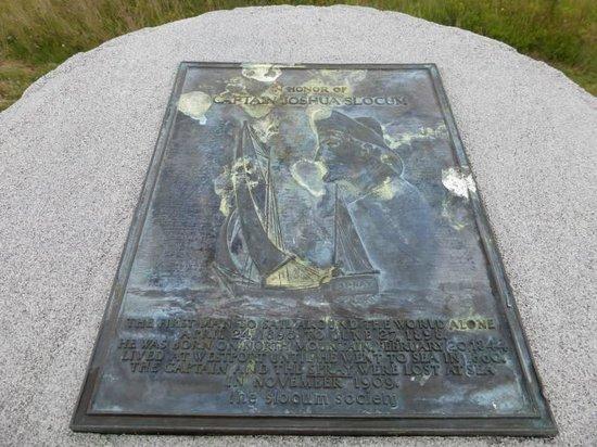 Brier Island : Memorial to Joshua Slocum