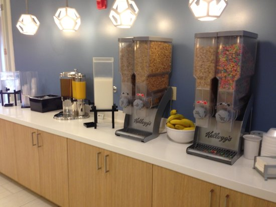 Sonesta ES Suites Orlando: Breakfast cereals