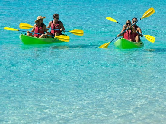 Kayaking to Henley Cay