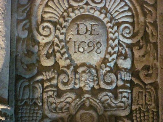 Plaza de Armas: Iglesia de Santo Domingo desde 1698