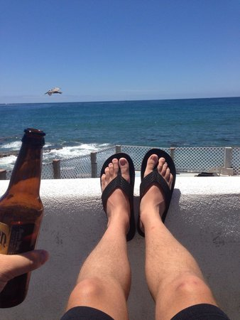 The Inn at Sunset Cliffs : Sun and local brew