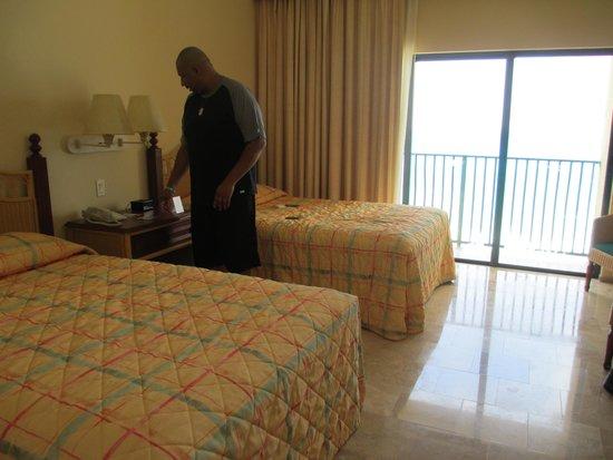 The Royal Sands: The Regular room