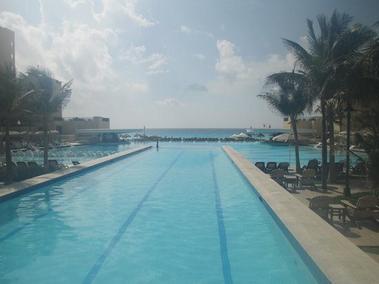 The Royal Sands: pools
