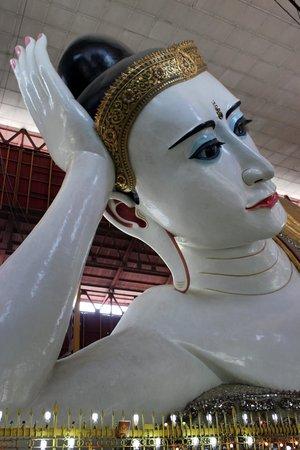 Chaukhtatgyi Paya: Close up