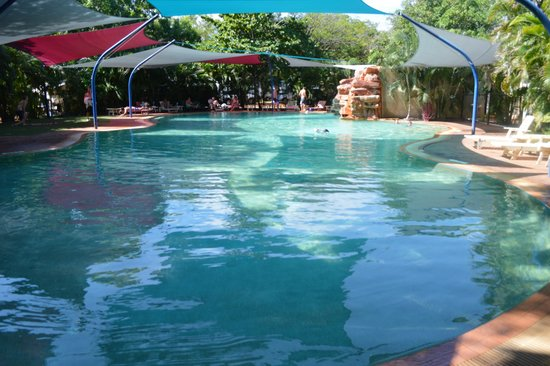 Cable Beach Caravan Park : The resort style pool