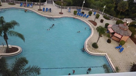 Blue Heron Beach Resort: We loved relaxing in/at the pool and hot tub!!!