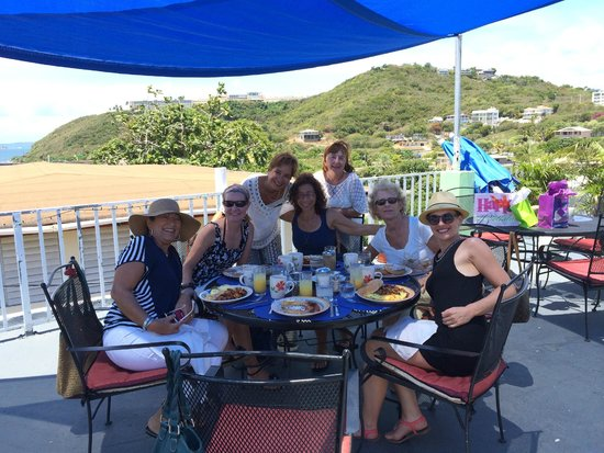 Las Vistas Cafe at Siete Mares Bay Inn: Bday Brunch at Gladys Las Vistas Cafe- out of this world YUM and FUN