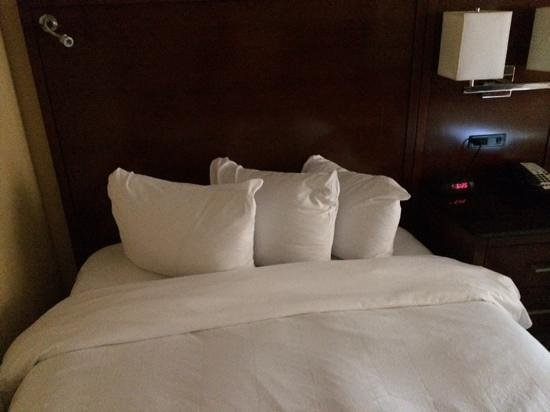 Westchester Marriott: little pillows-ugh