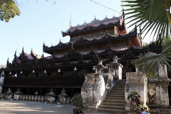 Golden Palace Monastery  (Shwenandaw Kyaung): The exterior