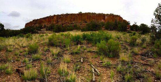 Tsankawi: Mesa north of entrance