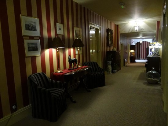 Castle Hotel: First floor corridor