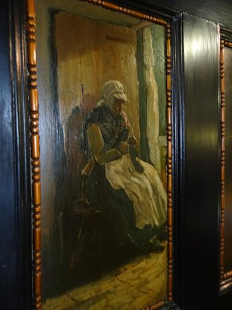 Castle Hotel: Antic painted doors