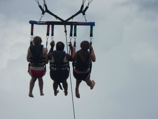 Aguas Azules Parasailing & Watersports Tours: And were off.....