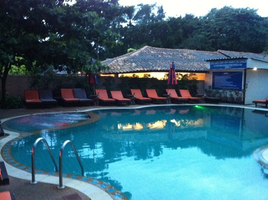 Ark Bar Beach Resort: One of three swimming pools
