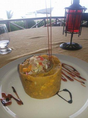 Olas y Arena Restaurant : Mofongo Relleno de Camarones