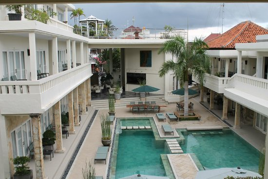 Bali Court Hotel and Apartments: Hotel area