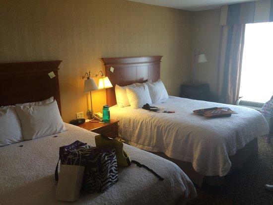 Hampton Inn Utica: Double Queen Beds