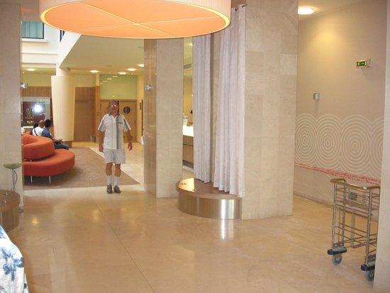 Citadines Saint-Germain-des-Pres Paris : Lobby de l'hôtel Citadines