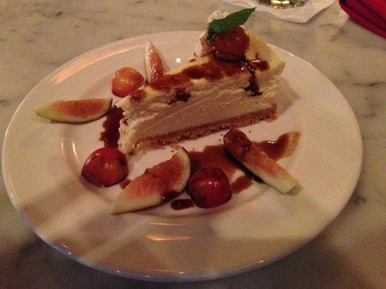 El Meson: El señor cheesecake de cabra.