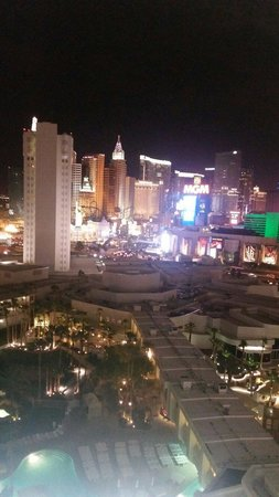 Tropicana Las Vegas - A DoubleTree by Hilton Hotel : Great view from the Club Tower