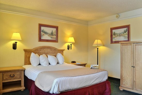 Quality Inn: spacious room