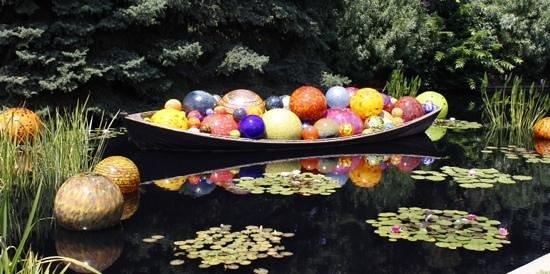 Denver Botanic Gardens: Float boat.
