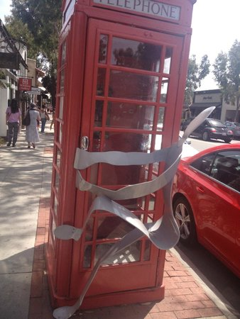 ClueHoo: I've never seen someone so badly in need of an old-school payphone