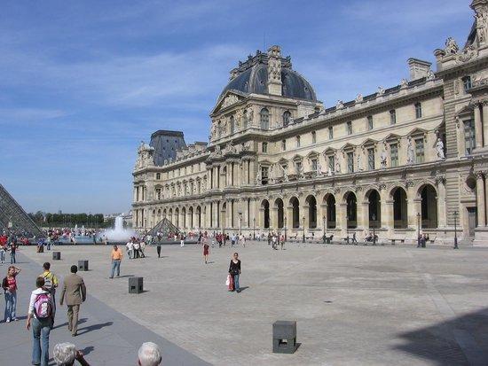 Citadines Saint-Germain-des-Pres Paris : Le Louvre