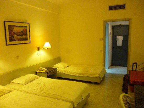 Belair Beach Hotel: Номер