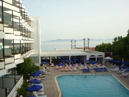 Belair Beach Hotel : Вид с балкона