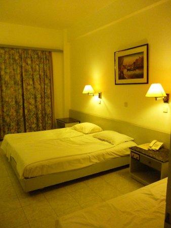 Belair Beach Hotel : Номер