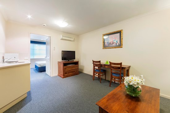 Parklands Hotel & Apartments: Queen Suite