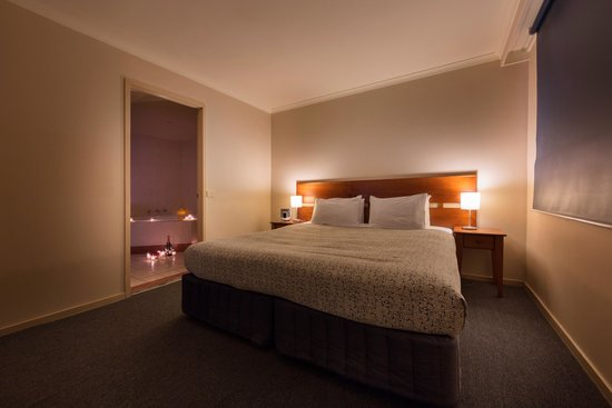 Parklands Hotel & Apartments: Spa Room