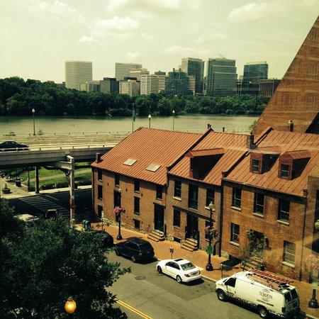 The Ritz-Carlton Georgetown, Washington, D.C. : Potomac and Rosslyn