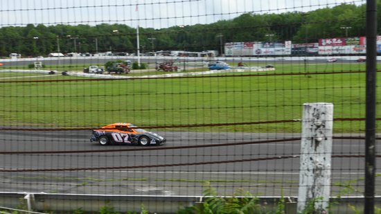 Waterford Speedbowl: warm ups