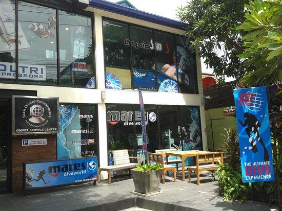 Pier 42 Boutique Resort & Spa: Dive store