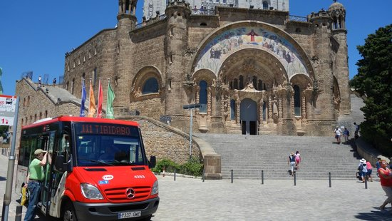 Tibidabo: bus 111 to the top all on one metro ticket